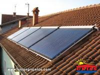 Solarno grejanje dogrevanje kuce i solarno grejanje sanitarne vode / Solarni vakuumski kolektori heat pipe / 120 vakuumskih cevi / Konstrukcija na kosom krovu